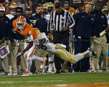 Clemson Tigers wide receiver Martavis Bryant (1), Georgia Tech Yellow Jackets cornerback D.J. White (28)