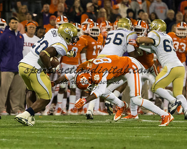 Georgia Tech Yellow Jackets running back David Sims (20), Clemson Tigers defensive end Dane Rogers (85)
