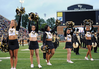 Deacon cheerleaders