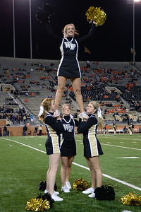 Cheerleaders pregame