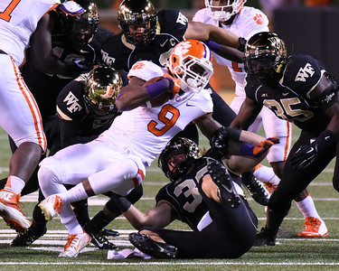 Defense tackles W Gallman