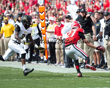 Georgia Bulldogs wide receiver Rhett McGowan (27), Appalachian State Mountaineers defensive back Alex Gray (3)