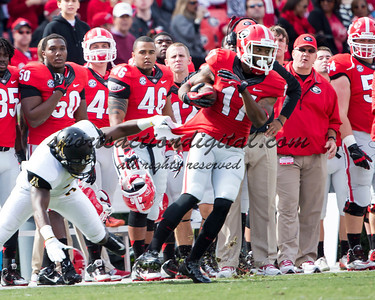 Georgia Bulldogs wide receiver Rantavious Wooten (17), Appalachian State Mountaineers defensive back Rodger Walker (4)