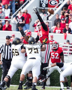 Georgia Bulldogs linebacker Jordan Jenkins (59) jumps to deflect the field goal attempt of Appalachian State Mountaineers kicker Drew Stewart (9)
