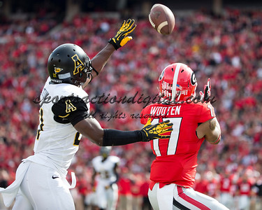 Georgia Bulldogs wide receiver Rantavious Wooten (17), Appalachian State Mountaineers defensive back Doug Middleton (21)