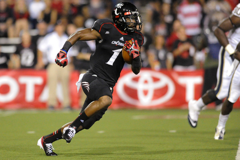 Cincinnati Bearcats running back Ralph Abernathy (1) during the game.  Cincinnati Bearcats lead Pittsburgh Panthers 17-0 at  halftime at Nippert Stadium in Cincinnati, Ohio.