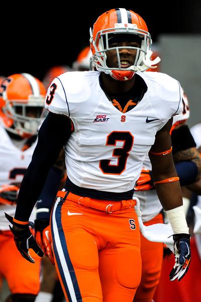 Syracuse Orange safety Durell Eskridge (3) before the game.  Cincinnati Bearcats defeated Syracuse Orange (35-24) at Nippert Stadium in Cincinnati, Ohio.