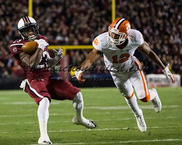 South Carolina Gamecocks wide receiver Bruce Ellington (23), Clemson Tigers safety Korrin Wiggins (12)