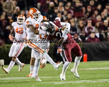 South Carolina Gamecocks wide receiver Bruce Ellington (23), Clemson Tigers cornerback Darius Robinson (8)