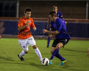 Thalse De Mello Moreno (13), Kevin Pahl (14)