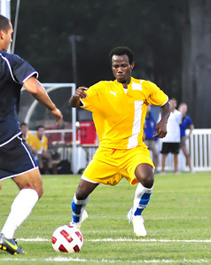 Evans Frimpong repeatedly confounded Monmouth's offense and defense alike.