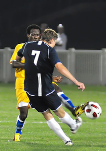 Frimpong blocks a blast by a Monmouth defender