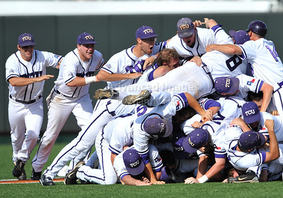 2010 Super Regionals: TCU @ Texas