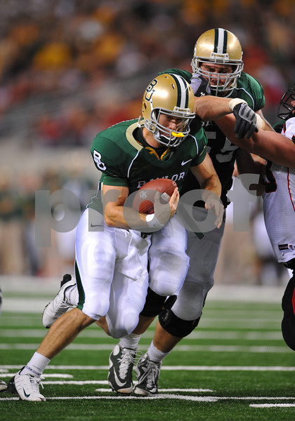 November 28th, 2009:  <br /> Baylor quarterback Blake Szymanski #6 in action during a NCAA Football game between the Baylor Bears and theTexas Tech Red Raiders at Cowboy Stadium in Arlington, TX.  <br /> Texas Tech wins 20-13.