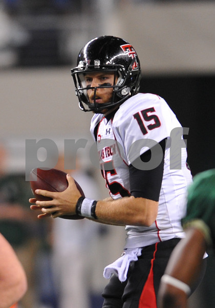 November 28th, 2009:  <br /> Texas Tech quarterback Taylor Potts #15 in action during a NCAA Football game between the Baylor Bears and theTexas Tech Red Raiders at Cowboy Stadium in Arlington, TX.  <br /> Texas Tech wins 20-13.