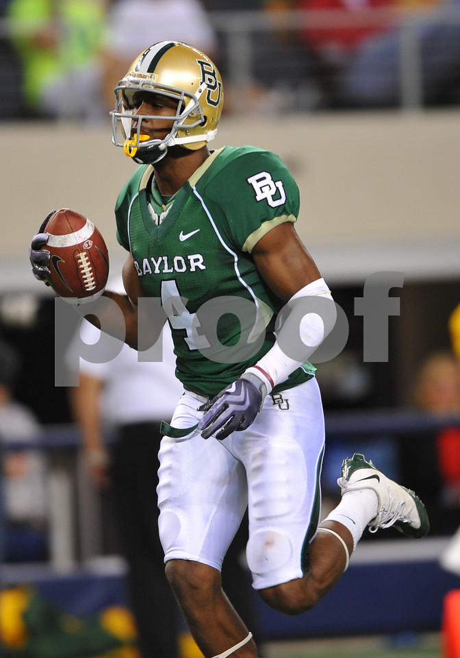 November 28th, 2009:  <br /> Baylor wide receiver David Gettis #4 in action during a NCAA Football game between the Baylor Bears and theTexas Tech Red Raiders at Cowboy Stadium in Arlington, TX.  <br /> Texas Tech wins 20-13.