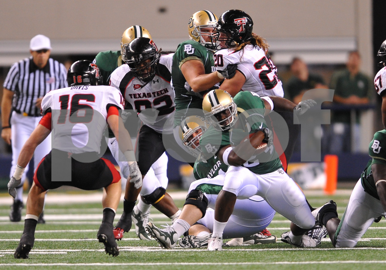 November 28th, 2009:  <br /> Baylor running back Terrance Ganaway #24 in action during a NCAA Football game between the Baylor Bears and theTexas Tech Red Raiders at Cowboy Stadium in Arlington, TX.  <br /> Texas Tech wins 20-13.