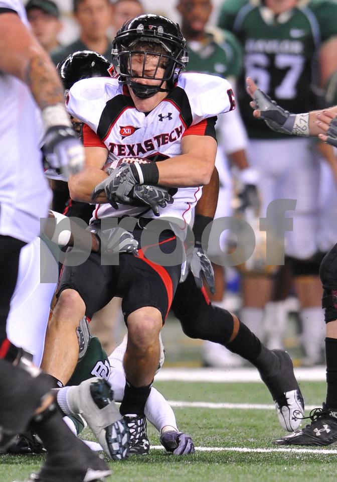 November 28th, 2009:  <br /> Texas Tech wide receiver Austin Zouzalik #6 in action during a NCAA Football game between the Baylor Bears and theTexas Tech Red Raiders at Cowboy Stadium in Arlington, TX.  <br /> Texas Tech wins 20-13.