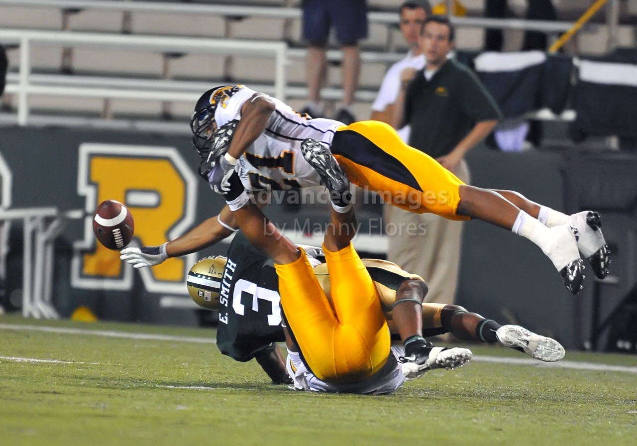 October 3rd 2009:  <br /> Kent State cornerback Danny Sadler #21<br /> in action during a NCAA Football game between the Baylor Bears and the Kent State Golden Flashes at Floyd Casey  Stadium in Waco, TX.  <br /> Baylor wins 31-15.