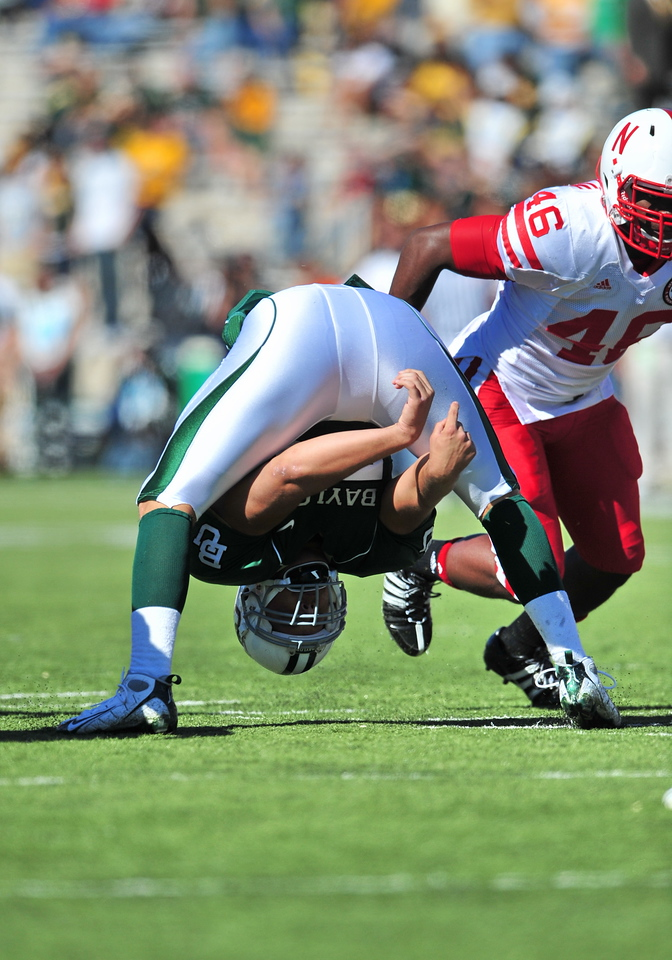 October 31st, 2009:  <br /> Baylor LS Carter Brunelle #54<br /> in action during a NCAA Football game between the Nebraska Cornhuskers and Baylor Bears at Floyd Casey  Stadium in Waco, TX.  <br /> Nebraska wins 20-10.