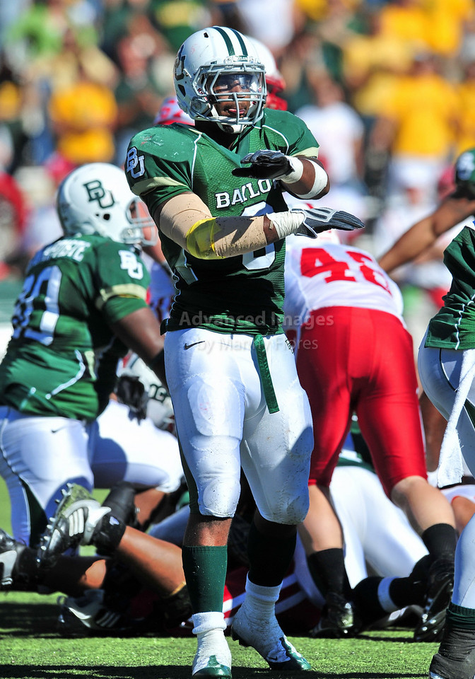 October 31st, 2009:  <br /> Baylor linebacker Antonio Jones #6 in action during a NCAA Football game between the Nebraska Cornhuskers and Baylor Bears at Floyd Casey  Stadium in Waco, TX.  <br /> Nebraska wins 20-10.