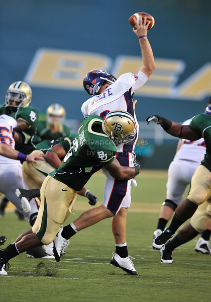 September 26th 2009:  <br /> Baylor linebacker Antonio Jones #6<br /> in action during a NCAA Football game between the Baylor Bears and the Northwestern State Demons at Floyd Casey  Stadium in Waco, TX.  <br /> Baylor wins 68-13