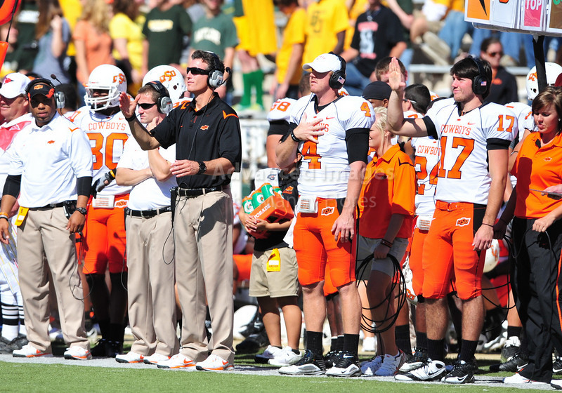 October 24th, 2009:  <br /> Oklahoma State Head Coach Mike Gundy<br /> in action during a NCAA Football game between the Oklahoma State Cowboys and Baylor Bears at Floyd Casey  Stadium in Waco, TX.  <br /> Oklahoma State wins 34-7.