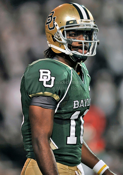 NOV 20 2010:  <br /> Baylor Bears quarterback Robert Griffin III #10 in action<br /> in a game between Oklahoma Sooners and the Baylor Bears at Floyd Casey Stadium in Waco, Texas.<br /> Oklahoma wins 53-24. <br /> (Credit Image: © Manny Flores/Cal Sport Media)