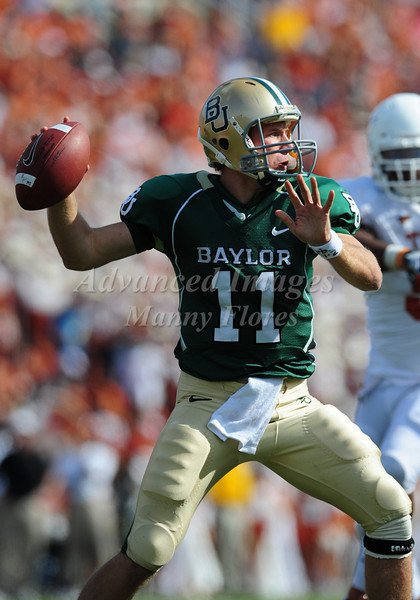 November 14th, 2009:  <br /> Baylor quarterback Nick Florence #11<br /> in action during a NCAA Football game between the Baylor Bears and theTexas Longhorns at Floyd Casey  Stadium in Waco, TX.  <br /> Texas wins 47-14.