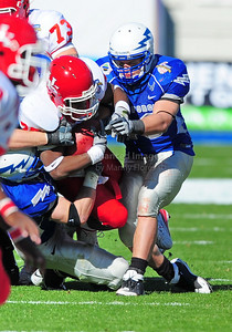 December 31, 2008:   Houston running back Bryce Beall #25 Air Force safety Chris Thomas #34 in action during the NCAA Football game between the Houston Cougars and the Air Force Falcons at the Bell Helicopter Armed Forces Bowl in Ft. Worth, TX.  Houston defeated Air Force 34-28. Manny Flores/CSM