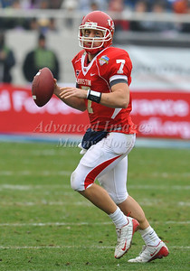 December 31st  2009:   Houston quarterback Case Keenum #7 in action during the Armed Forces Bowl NCAA Football game between the Air Force Falcons and the Houston Cougars at Amon G. Carter Stadium in Ft. Worth, TX.   Air Force wins 47-20