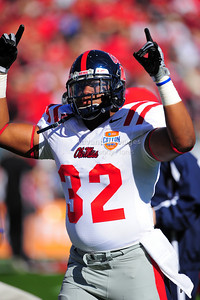 02 January 2009:   Mississippi tight end Reggie Hicks (32) in action during the NCAA Cotton Bowl game between the Ole Miss Rebels and the Texas Tech Red Raiders in Dallas,TX.  Ole Miss beat Texas Tech 47-34. Manny Flores/Icon SMI