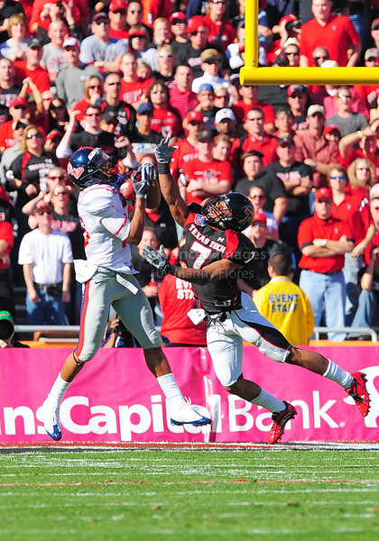 02 January 2009:  <br /> Mississippi wide receiver Markeith Summers (16) makes a 29 yd catch during the NCAA Cotton Bowl game between the Ole Miss Rebels and the Texas Tech Red Raiders in Dallas,TX.  Ole Miss beat Texas Tech 47-34.<br /> Manny Flores/Icon SMI