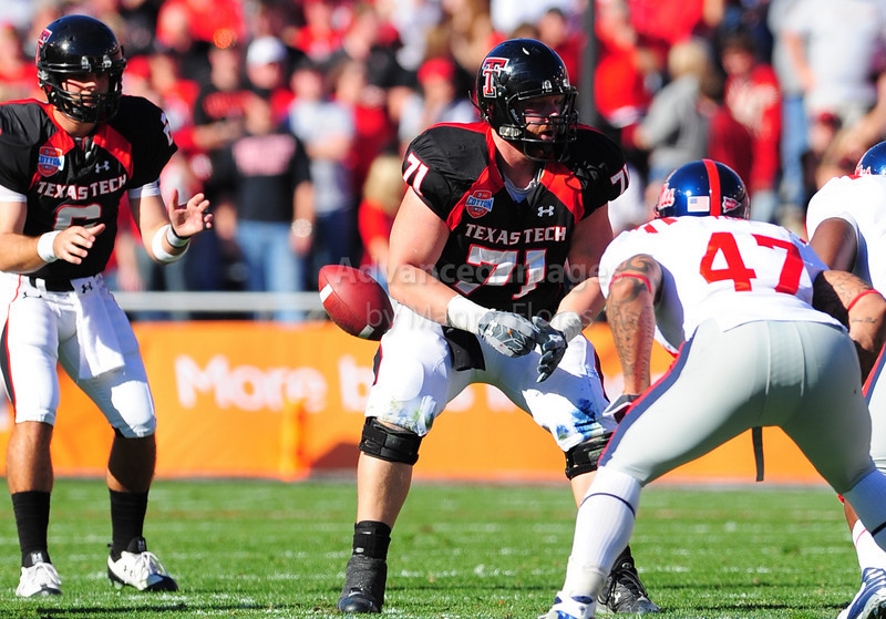 02 January 2009:  <br /> Texas Tech offensive lineman Stephen Hamby (71) in action during the NCAA Cotton Bowl game between the Ole Miss Rebels and the Texas Tech Red Raiders in Dallas,TX.  Ole Miss beat Texas Tech 47-34.<br /> Manny Flores/Icon SMI
