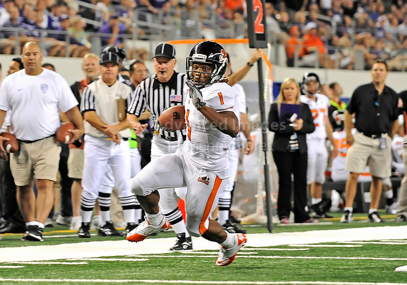 Sept 4 2010:  <br /> Oregon State Beavers running back Jacquizz Rodgers #1 carries the ball to the one yd line<br /> in a game between Oregon State Beavers vs Texas Christian University Frogs at Cowboys Stadium in Arlington, Texas.<br /> TCU wins 30-21<br /> (Credit Image: © Manny Flores/Cal Sport Media)