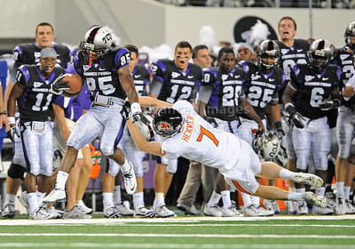 Sept 4 2010:   TCU Horned Frogs wide receiver Jeremy Kerley #85 tries to get by Oregon State Beavers punter Johnny Hekker #7 in a game between Oregon State Beavers vs Texas Christian University Frogs at Cowboys Stadium in Arlington, Texas. TCU wins 30-21 (Credit Image: © Manny Flores/Cal Sport Media)