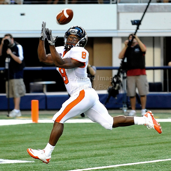 Sept 4 2010:  <br /> Oregon State Beavers wide receiver James Rodgers #8 catches the ball for a touchdown<br /> in a game between Oregon State Beavers vs Texas Christian University Frogs at Cowboys Stadium in Arlington, Texas.<br /> TCU wins 30-21<br /> (Credit Image: © Manny Flores/Cal Sport Media)