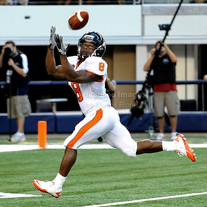 Sept 4 2010:   Oregon State Beavers wide receiver James Rodgers #8 catches the ball for a touchdown in a game between Oregon State Beavers vs Texas Christian University Frogs at Cowboys Stadium in Arlington, Texas. TCU wins 30-21 (Credit Image: © Manny Flores/Cal Sport Media)