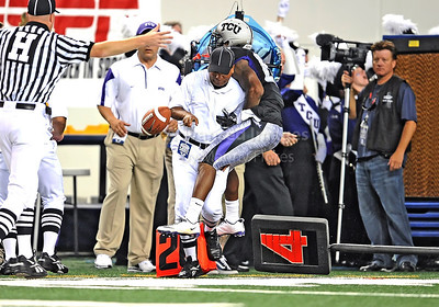 Sept 4 2010:   TCU Horned Frogs wide receiver Jeremy Kerley #85 runs into an official in a game between Oregon State Beavers vs Texas Christian University Frogs at Cowboys Stadium in Arlington, Texas. TCU wins 30-21 (Credit Image: © Manny Flores/Cal Sport Media)