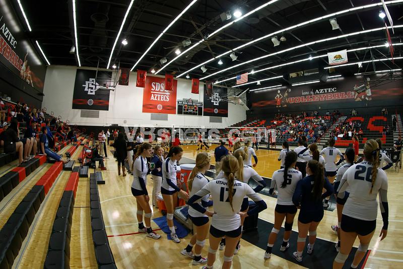 Utah State Aggies wait their turn to warmup
