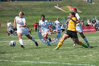 Quincy Hawks Hold On for Win at Maryville Saints