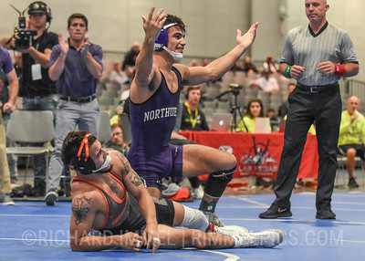 125: Sebastian Rivera (Northwestern) DEC Ronnie Bresser (Oregon State), 6-4