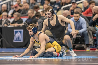 133: Stevan Micic (Michigan) dec. Austin DeSanto (Iowa), 3-2