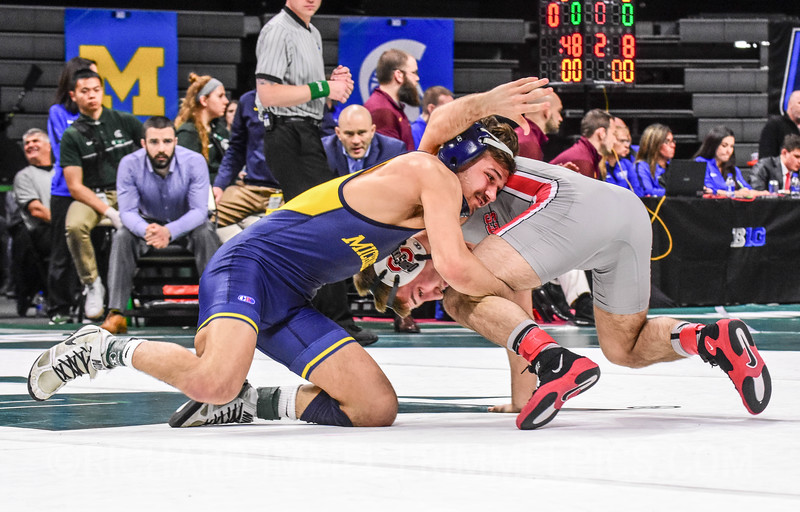 133: Stevan Micic (Michigan) dec. Luke Pletcher (Ohio State), 7-4