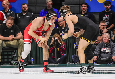 125: Nathan Tomasello (Ohio State) dec. Spencer Lee (Iowa), 2-1