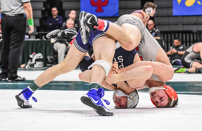 141: Michael Carr (Illinois) dec. Nick Lee (Penn State), 10-6