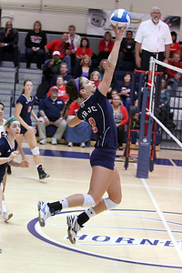 Kristyn Casalino tipping the ball