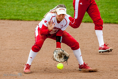 UW Sports - Softball - April 29, 2016