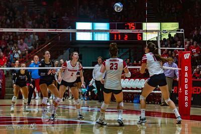 UW Sports - Volleyball - September 02, 2018
