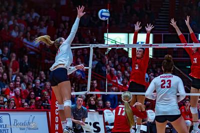 UW Sports - Volleyball - September 19, 2018